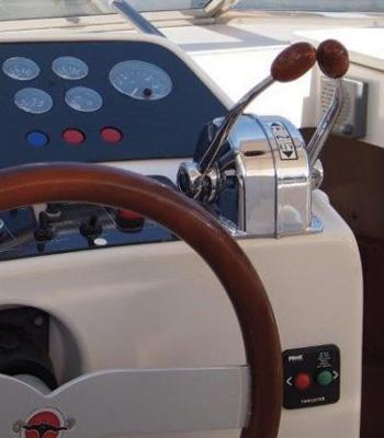 itama-38-globalyachtingibiza-detalle-350x400